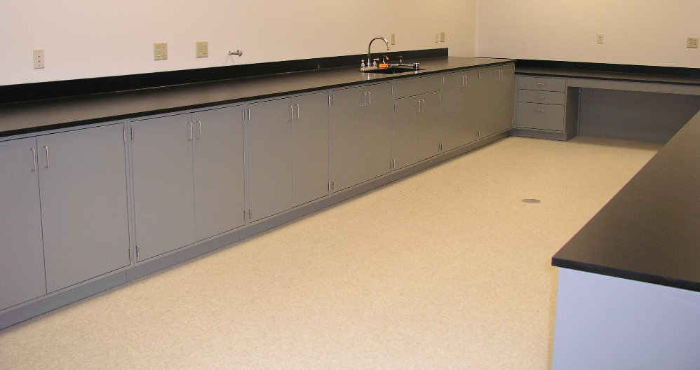 lab_cabinets_set_in_a_U_shape